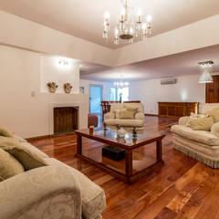 Casa RB: Livings de estilo  por Luis Barberis Arquitectos