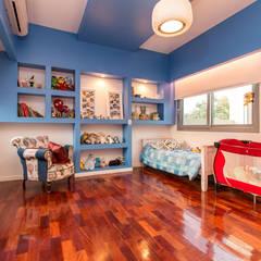 Casa RB: Dormitorios infantiles de estilo  por Luis Barberis Arquitectos