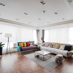 컬러풀 뉴트로하우스: 디자인 아버의  거실,에클레틱 (Eclectic)