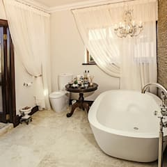 Walkersons Traditional Manor House:  Bathroom by JSD Interiors, Colonial