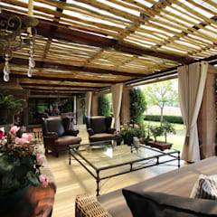Walkersons Traditional Manor House:  Patios by JSD Interiors