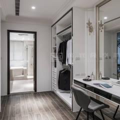 Phòng thay đồ by SING萬寶隆空間設計