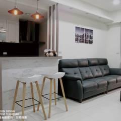 簡約X兩房:  客廳 by 禾森系統傢具.空間規劃, 簡約風