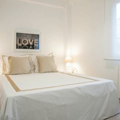 REFORMA DE PISO DE DOS DORMITORIOS EN ARTURO SORIA: Dormitorios de estilo  de PL AL CUADRADO INTERIORISMO