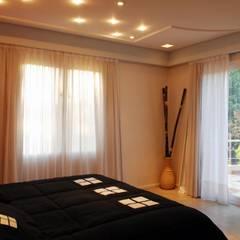 Casa AGC: Dormitorios de estilo  por Luis Barberis Arquitectos,Moderno