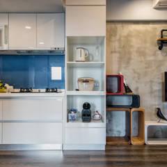 Kitchen units by 富亞室內裝修設計工程有限公司