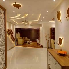 Corridor & hallway by RAK Interiors,