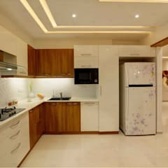 Residential Home Interior:  Small kitchens by RAK Interiors