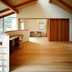 大泉の家: 西島正樹/プライム一級建築士事務所 が手掛けた子供部屋です。,モダン