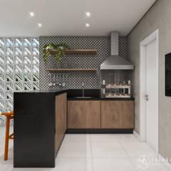 Projeto Residencial em Juiz de Fora - MG: Varandas  por Thiara Garcia Arquitetura e Interiores