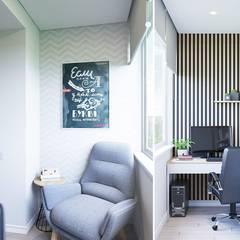 Интерьер квартиры на пр. Строителей *Colors*: балконы в . Автор – Дизайн - Центр