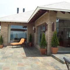 Casa Alzate: Casas campestres de estilo  por diseño con estilo ... sas