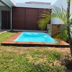 Piscinas de jardín de estilo  por glüp Piscinas Veracruz