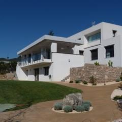 منزل عائلي صغير تنفيذ Estudio1403, COOP.V. Arquitectos en Valencia