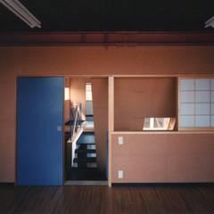 相模原の動物病院: 西島正樹/プライム一級建築士事務所 が手掛けた医療機関です。,モダン