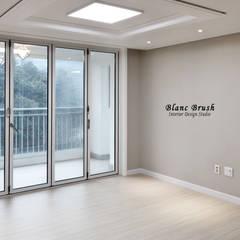 용인시 기흥구 한보라 마을 9단지 24평 아파트 인테리어: 블랑브러쉬의  욕실,모던