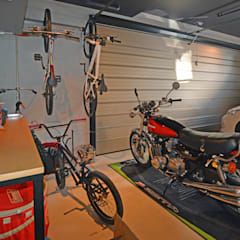Garajes prefabricados de estilo  por 久友設計株式会社