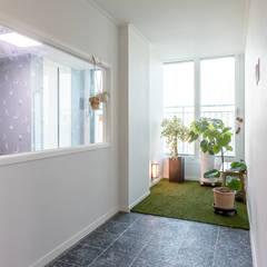 신혼과 함께 시작되는 순백의 공간 : 디자인 서연 의  실내 정원,모던 타일