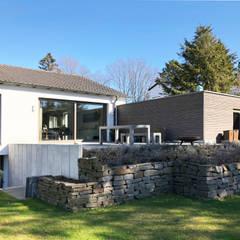 Einfamilienhaus, Mülheim:  Terrasse von M.I.A. Müller. Innen. Architektur.