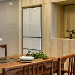 懷舊復古風-看見不一樣的風格與靈魂-全坤峰華:  餐廳 by 富亞室內裝修設計工程有限公司
