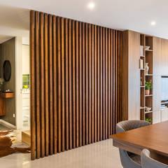Casa Vilarinha (Porto) - SHI Studio Interior Design Corredores, halls e escadas modernos por SHI Studio, Sheila Moura Azevedo Interior Design Moderno