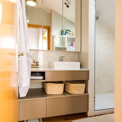 Baños de estilo moderno de SHI Studio, Sheila Moura Azevedo Interior Design Moderno