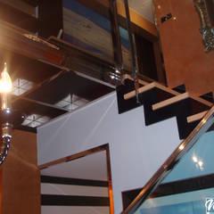 Vivienda A. López. Roquetas de Mar: Escaleras de estilo  de MAR MARIN INTERIORISMO