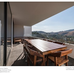 Residencia Chapultepec - Cañadas: Balcón de estilo  por René Flores Photography