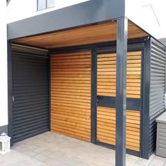 Garajes abiertos de estilo  por Schmiedekunstwerk GmbH,