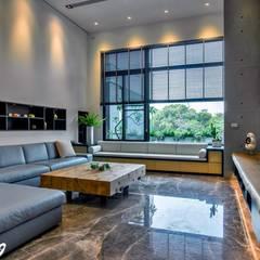 اتاق نشیمن توسطZendo 深度空間設計, مینیمالیستیک