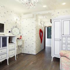 Современный микс: Спальни для девочек в . Автор – Студия архитектуры и дизайна Ирины Васильевой