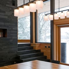 Contemporary Cottages in Ontario:  Dining room by Trevor McIvor Architect Inc,