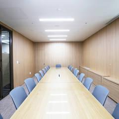사무실-유안타증권 여의도: (주)디비디자인의  사무실