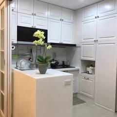 Kitchen units by 櫻花廚藝生活館中央店