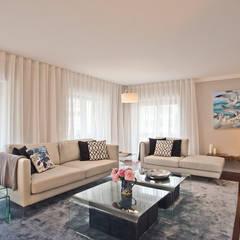 Livings de estilo  por Santiago   Interior Design Studio ,