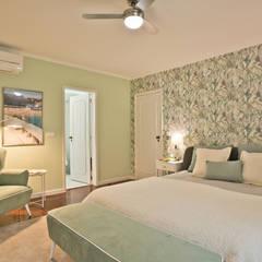 Dormitorios pequeños de estilo  por Santiago | Interior Design Studio