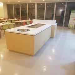 식음공간-이원의료재단: DB DESIGN Co., LTD.의  레스토랑