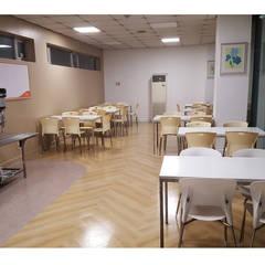식음공간-마리나산부인과 이천: DB DESIGN Co., LTD.의  레스토랑
