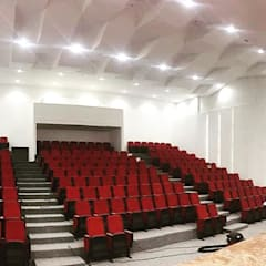 Auditorio Megaludoteca Tocancipa - Cundinamarca: Salas multimedia de estilo  por Lopez Robayo Arquitectos, Moderno