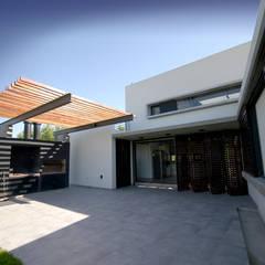 Casa Liana: Casas unifamiliares de estilo  por Favio Guadagna,Moderno