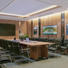 Phòng họp ban kinh tế - View2:  Tòa nhà văn phòng by Công ty CP nội thất Miền Bắc