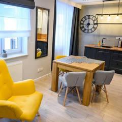 Mieszkanie wakacyjne Krynica Zdrój : styl , w kategorii Jadalnia zaprojektowany przez  Pracownia Aranżacji Wnętrz OptimumArt