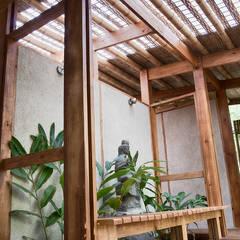 MÓDULO DE BAÑOS EXPEDICIONES MÉXICO VERDE: Baños de estilo  por LABORATORIO BIOHABITAT