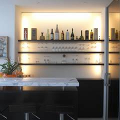 JWA,Jun Watanabe & Associates의  와인 보관, 모던