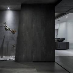 R House:  走廊 & 玄關 by Nestho studio