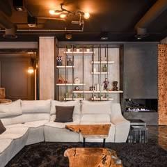 دوبليكس فى التجمع الخامس:  غرفة المعيشة تنفيذ lifestyle_interiordesign