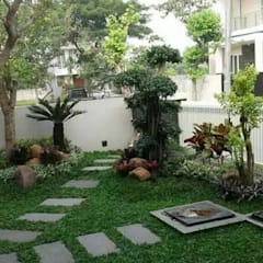 Commercial Spaces by TAMAN RUMAH KECIL