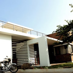 THE KULKARNI HOUSE:  Small houses by de square