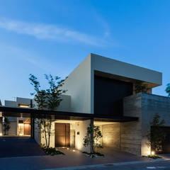 Uni-house: スレッドデザインスタジオが手掛けた二世帯住宅です。