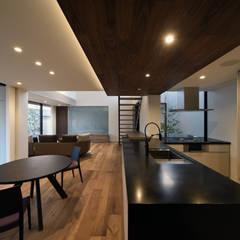 Sat-house 三重県建築賞 知事賞 受賞作: スレッドデザインスタジオが手掛けたダイニングです。